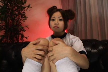 Yamasaki Honoka Asian teen plays with dildo
