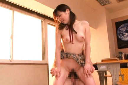 Saki Yuzumoto Hot Japanese schoolgirl has sex