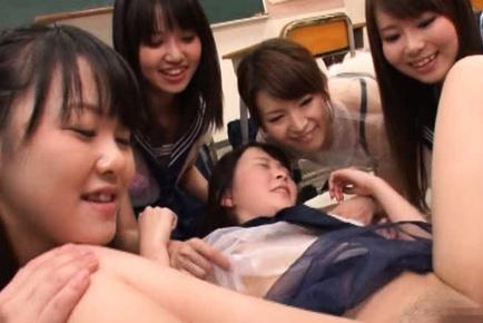 Japanese AV model gives massive blowjob