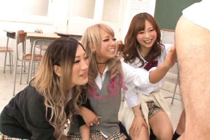 Mischievous Japanese teens deepthroat their horny teacher